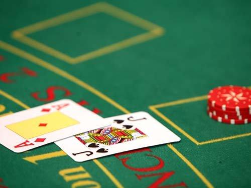 Single-Deck and Multideck Blackjack Strategy Guide