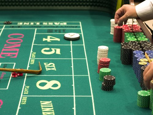 4 Craps Strategies and How to Choose the One That Works for You
