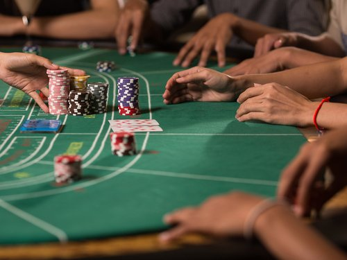 5 Baccarat Strategies for Live and Online Play
